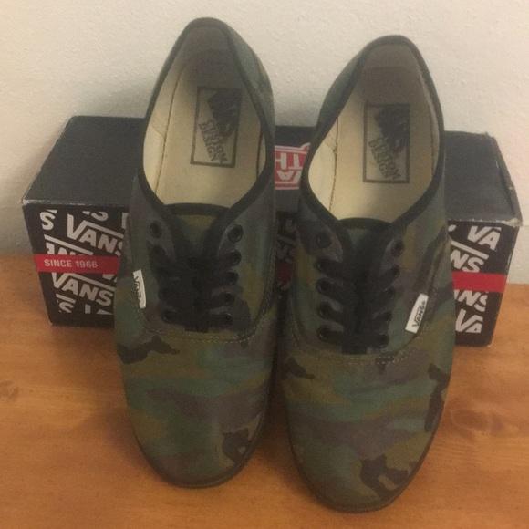 204cf24d0dcec6 Vans Shoes - CAMO Vans Lo Pro Authentic men s 8.5 wmn s 10